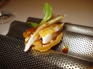 Chicken skin canapé
